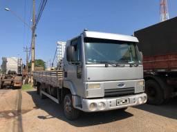 Ford cargo 815E 2011 carroceria