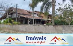 Casa com mais de 350m² de área construída na praia do Ervino - Escriturado