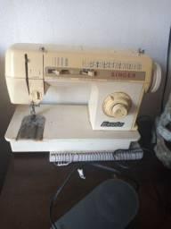 Máquina de costura Singer exata