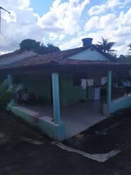 Casa simples no Jardim Vitória 1, não financia
