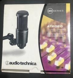Microfone Audio Técnica At2020
