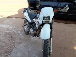Vendo moto bros 9.000