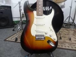 Guitarra Strato Eagle Captadores Vintage Golden Alnico V
