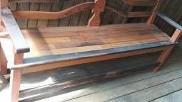 Banco de madeira rústico *Estoque