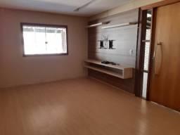 Rua 12- Linda casa 3qts toda reformada, com Armário