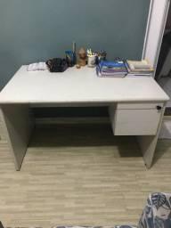 Mesa de escritório ou estudo