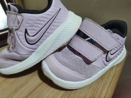 Tênis Nike menina nr. 18.5