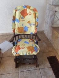 Cadeira de madeira maciça imbuia de balanço