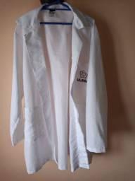 Jaleco branco da Rede Ulbra, pouco usado, só R$ 40,00!