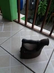 Ferro de passar (a carvão) para colecionador