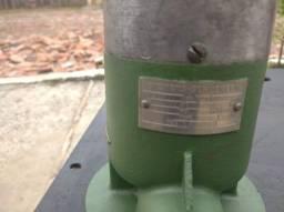 Bomba de refrigeração com deposito para torno ou fresadora