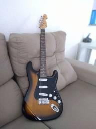 Guitarra seminova !!!