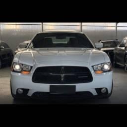 Maravilhoso Charger 5.7 R/T Hemi V8 Aut 2012