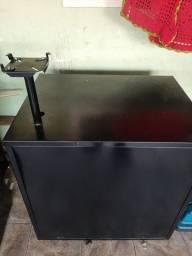 Balcão de ferro (mesa)
