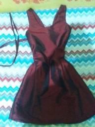 Vestido vermelho, novo.