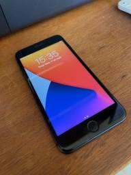 iPhone 8 Plus 64 GB - Ótimo Estado