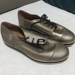 Sapato de couro 35
