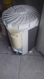 Condensadora de 18000 btu com gás 22 bolo E 350