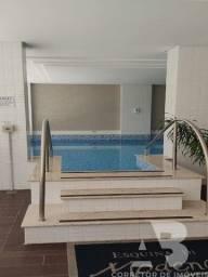 Apartamento mobiliado e decorado, 01 suítes + 02 dormitórios, sacada com vista do mar, 02