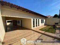 Casa com 2 Quartos prox. a Av. São João - Jd. Brasilia