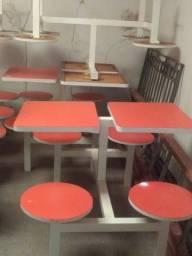 Vendo mesas conjugadas com 4 bancos em formica. Bem conservadas.