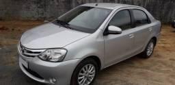 Carro Toyota Etios XLS Sedan