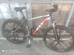 Bicicleta aro 29, quadro 19'. WhatsApp *