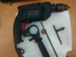 Máquina Furadeira de Impacto Reversível Bosch Profissional 220 Volts, 650 Watts