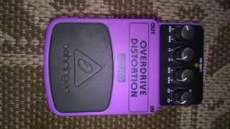 Pedal over drive e distortion.