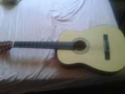 Vendo um violão novo