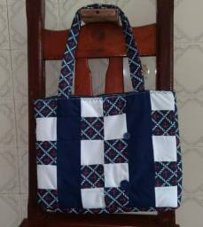 Venda de bolsa artesanal (de patchwork) Karola