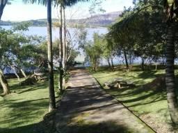 Casa linda na Barragem Cajuru MG