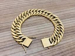 Conjunto de jóias em ouro 18 kilates,com nota e garantia