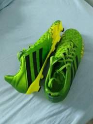 Chuteira Adidas Predator Absolado