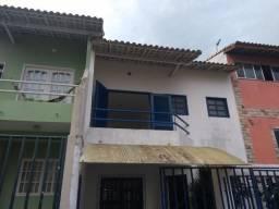 Alugo casa duplex 4 quartos sendo 2 suítes Riviera fluminense - Macaé-RJ