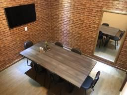 Mesa em mdf em excelente estado - Ideal para Escritório, reuniões ou jantar