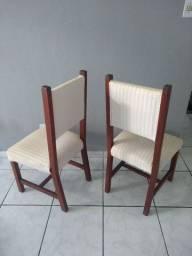 6 Cadeiras de madeira maciça