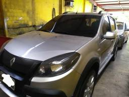 Vendo Renault Sandero completo - 2013
