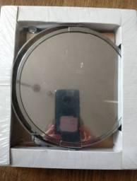 Espelho retrátil com ampliação