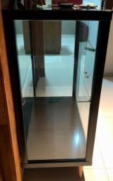 Cristaleira de vidro com espelho