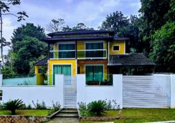 Vendo linda casa de 4 quartos no Condomínio Solar de Itacuruçá