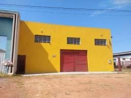 Barracão à venda no centro de Várzea Grande, confira