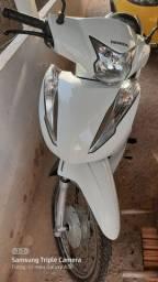 Vende-se uma Honda Biz 110