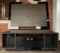 Rack, painel para TV e armário de cozinha.
