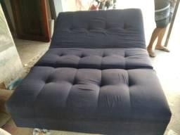 Vendo sofá cama 150.reais ,mesa Sem as cadeiras 120