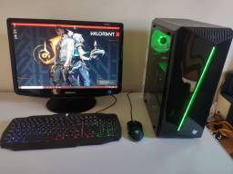 "PC Gamer FX + LED 20"" (Roda vários games)"