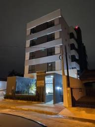 Excelente apartamento semi-mobiliado