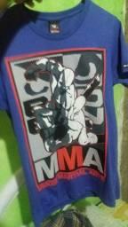 Camisa:  Semi-Nova  Tamanho   P