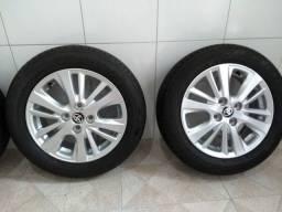 Jogo de rodas e pneus originais Toyota yaris