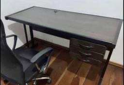 Mesa para escritório com 3 gavetas